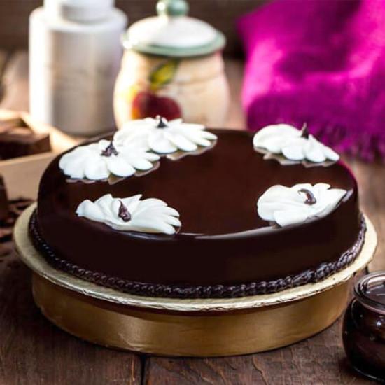 Hobnob Bakery Double Chocolate Fudge Cake - 4Lbs