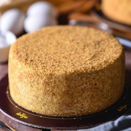 2.5lbs Honey Cake from Delizia