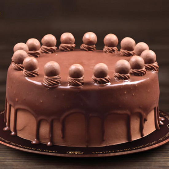 2.5lbs Maltesers Cake from Delizia